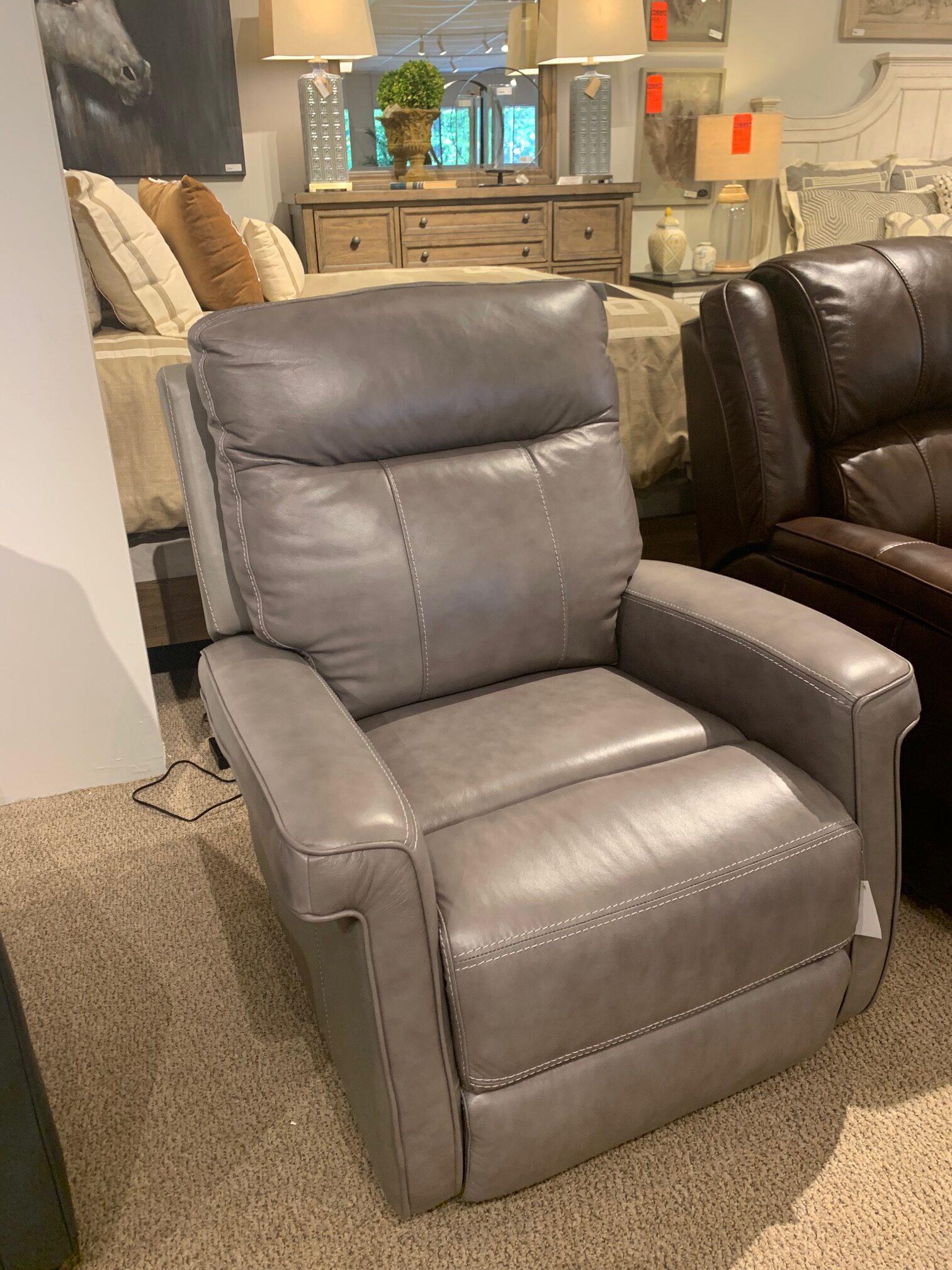 Picture of: 3501 Pop 3501 Mathews Recliner By Bassett Rudd Furniture